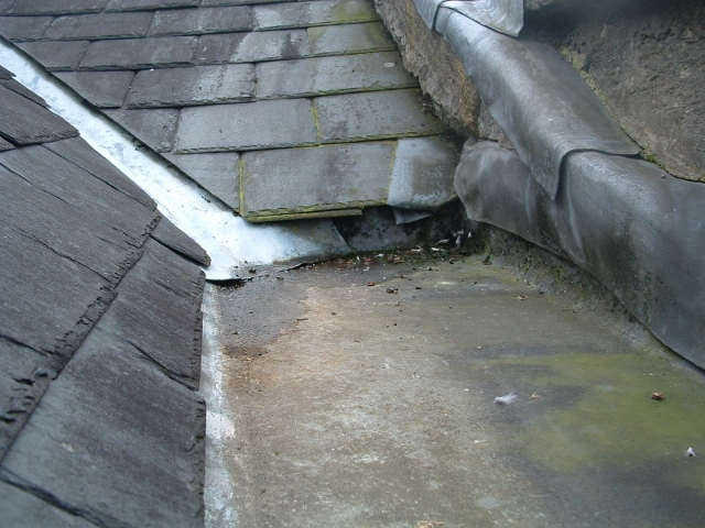 Inadequate detailing of valley gutter (damp ingress internally)